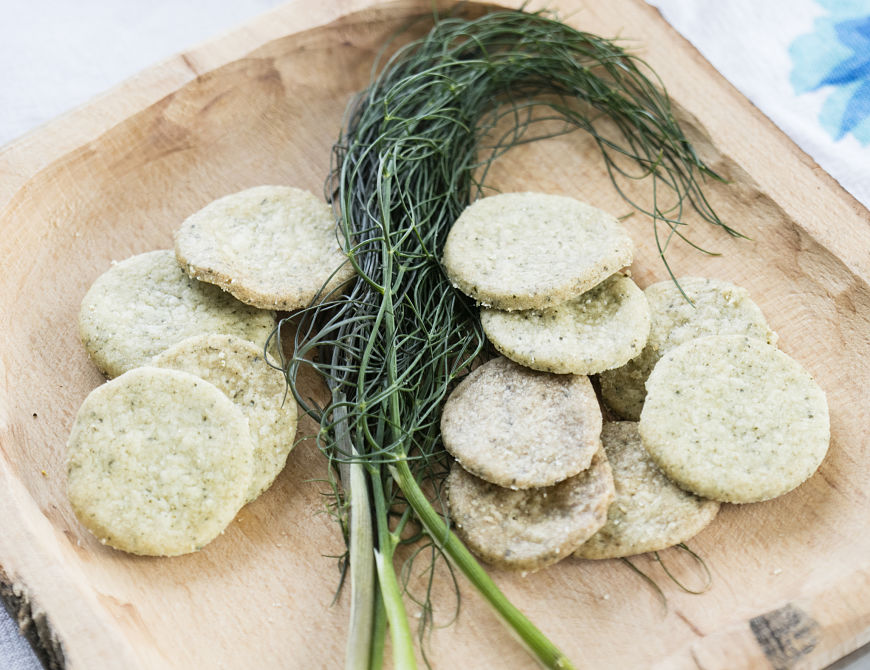 Fennel and kelp cookies - seaweed foraging